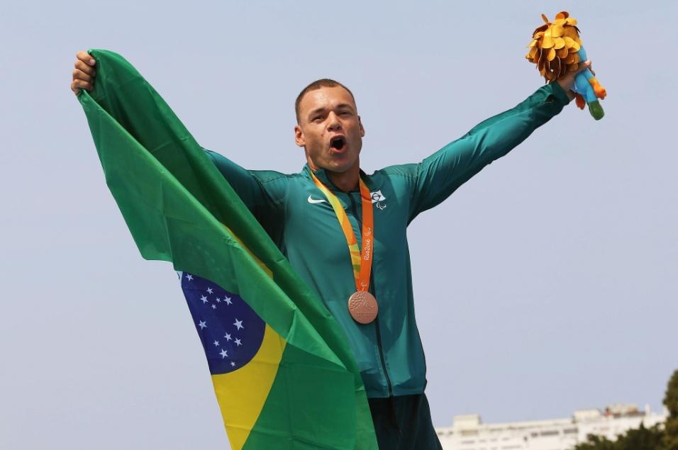 15.set.2016 - Caio Ribeiro de Carvalho foi bronze na canoagem de velocidade, prova KL3, marcando 40s199 na arena montada na Lagoa Rodrigo de Freitas