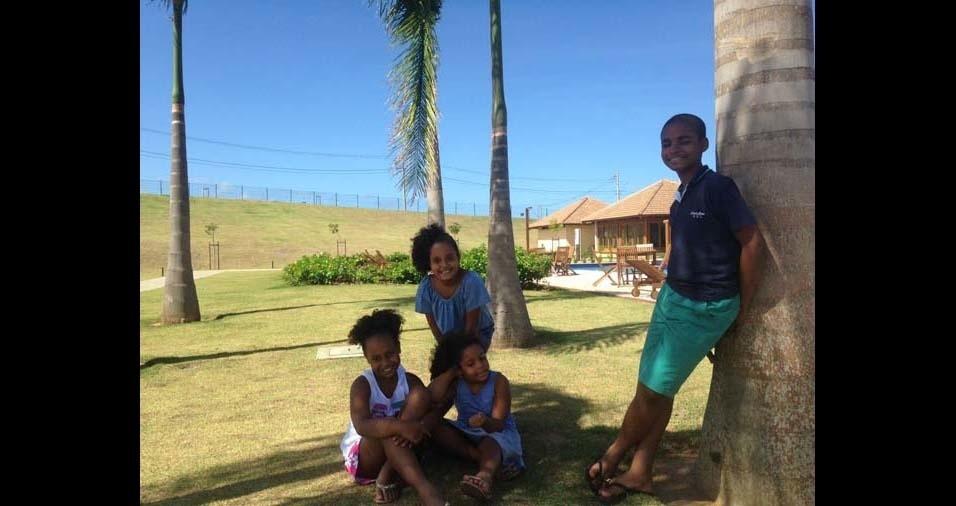 Fernanda, de Salvador (BA), enviou foto da criançada Luana, Letícia, Mariana, Matheus