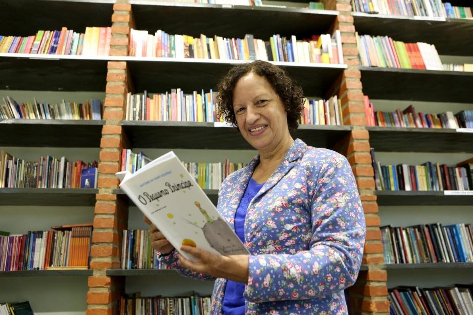 A professora idealizou e implementou a AEL (Academia Estudantil de Letras) em 2005. A primeira turma, da EMEF Padre Antônio Vieira, na zona leste de São Paulo, tinha 35 alunos