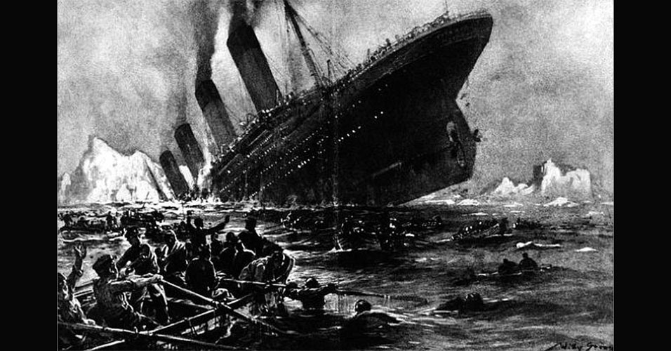 Reprodução do Titanic afundando no Oceano Atlântico após colidir com um iceberg