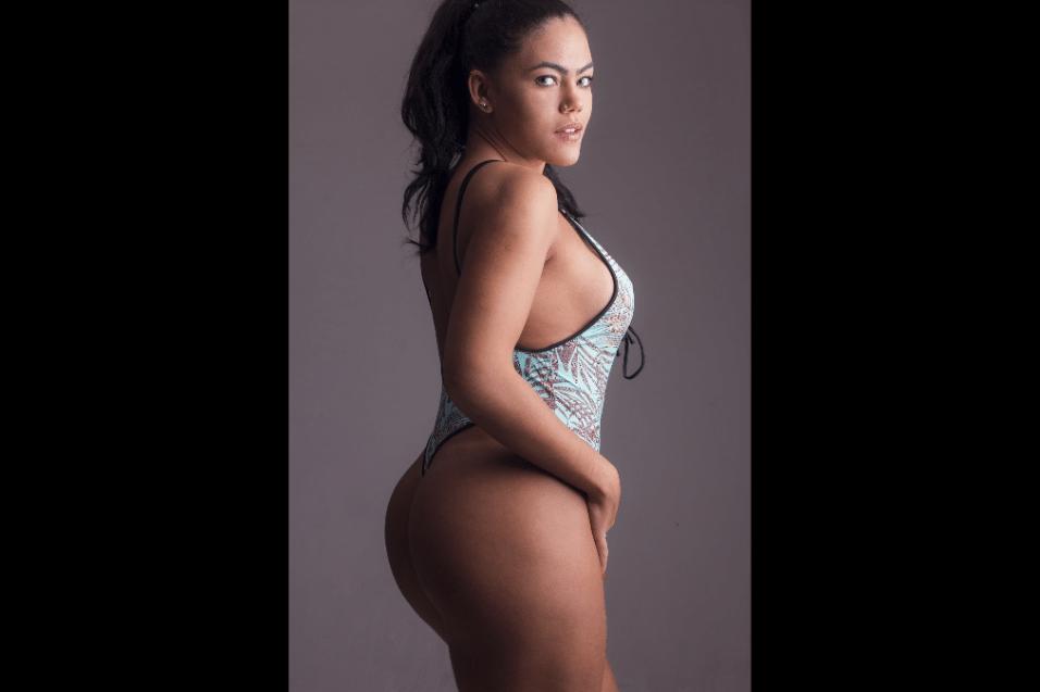 11.jul.2017 - Além da malhação, Rangel Carlos contou que apelou à aparelhos estéticos tecnológicos para preparar as curvas para o concurso do Miss Bumbum