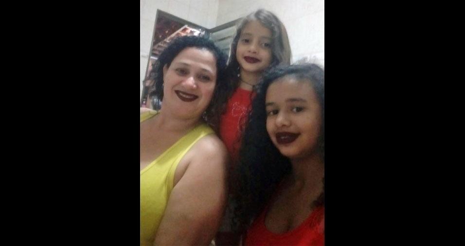 Vovó Marisa com a neta Gabrielly e a filha Maria Vitória, de Ourinhos (SP)
