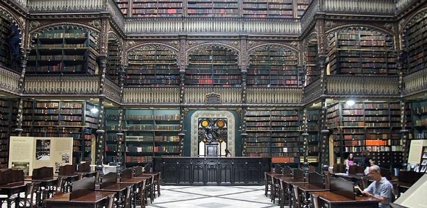Ambiente interno do Real Gabinete Português de Leitura - Reprodução/littledallilasbookshelf