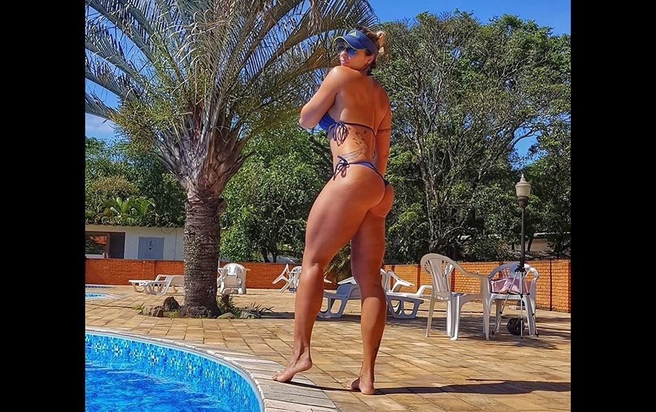 Com 1,79 m de altura e 73 kg, a modelo Letícia Gallo chama atenção nas redes sociais. No Instagram, a gata tem mais de 70 mil seguidores