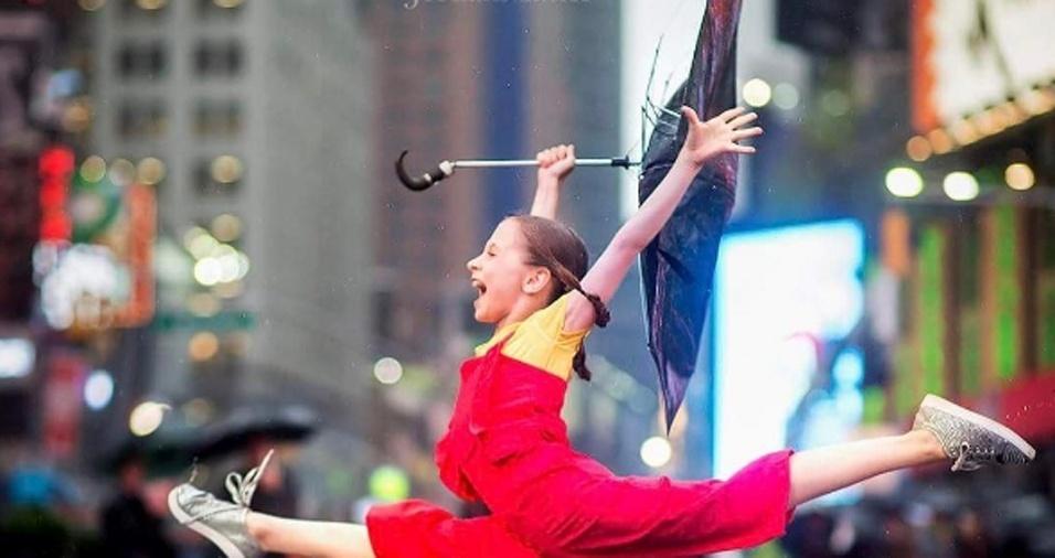 9. Crianças dançarinas também chama a atenção de Jordan, que aprecia a alegria contida nos movimentos feitos por elas