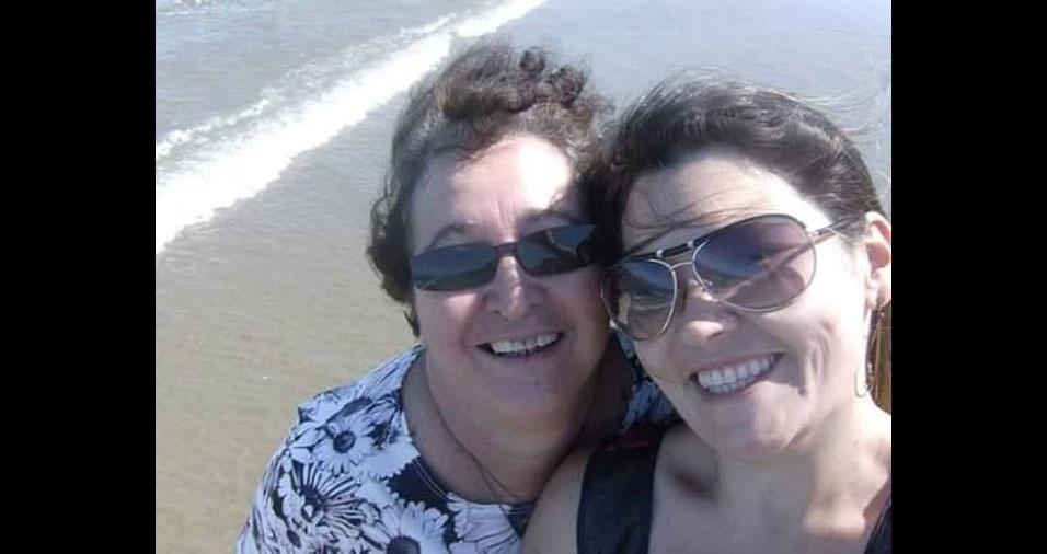 """Juliana garante que a mamãe Tina, de São Paulo (SP), é """"a melhor mãe do mundo"""""""