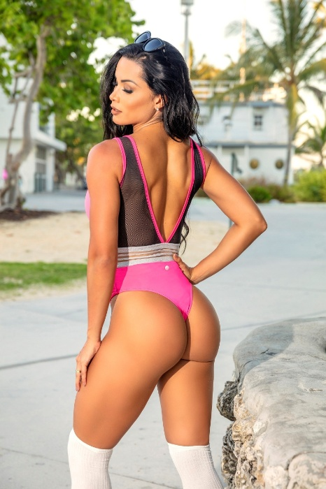 Musa fitness, Fernanda D'avila faz inveja com o seu bumbum durinho em fotos nas redes sociais