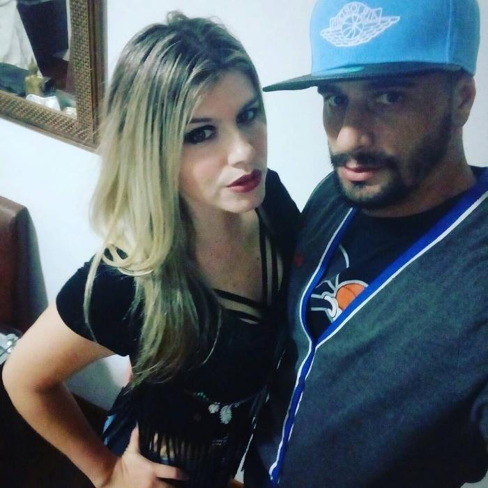 """24.abr.2017 - Daniel viajou para o Rio Grande do Sul e publicou fotos ao lado de amigos e parentes de Juliana. Em resposta a um seguidor, o paulista foi direto: """"Visitando a namorada"""""""