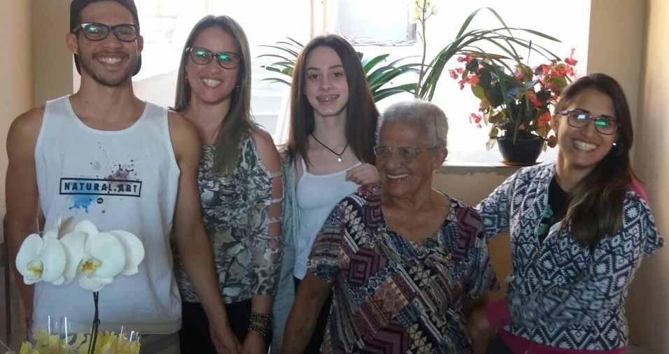 Vó Maria comemorou seus 94 anos com as netas Angelica, Heloísa e Fernanda e o bisneto Luan, de Jundiaí (SP)