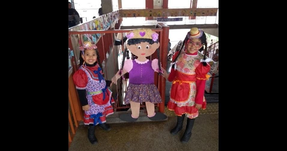 Direto de São Paulo (SP), Maria Rita, quatro anos, e Maria Olivia, cinco, em foto enviada pela mamãe, Fabiana Ferreira da Silva