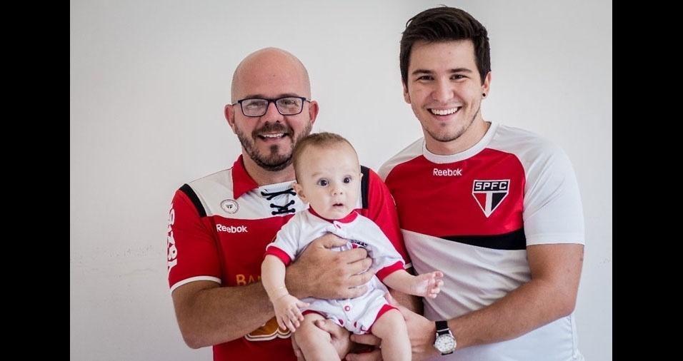 """""""João Batista Fortes Júnior, eu, João Marcos Benassi Fortes, e meu filho Miguel Lotito Carelli Fortes. Um amor de gerações."""" Eles moram em São João da Boa Vista (SP)"""