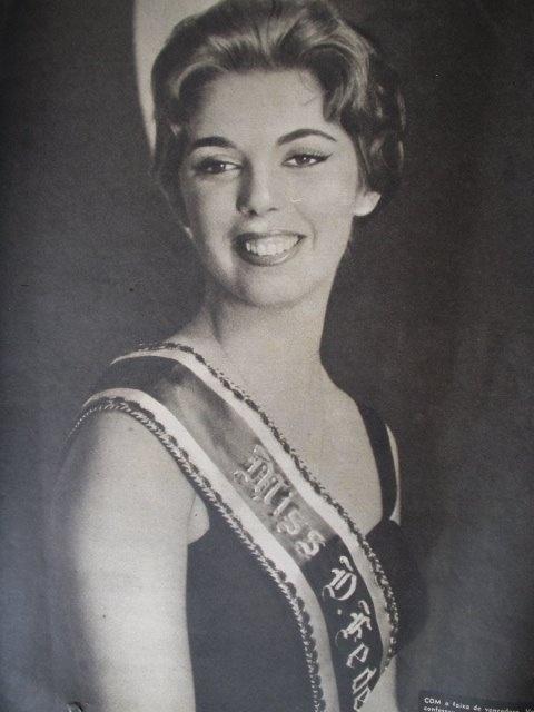 4. Vera Regina Ribeiro - a Miss Distrito Federal ficou em 5º lugar no Miss Universo de 1959