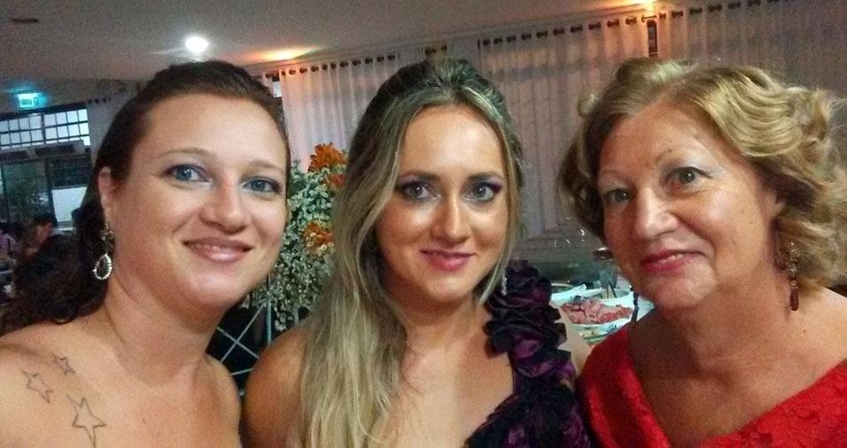 Juliana e Carolina com a mamãe Sonia Aparecida, de Ribeirão Preto (SP)