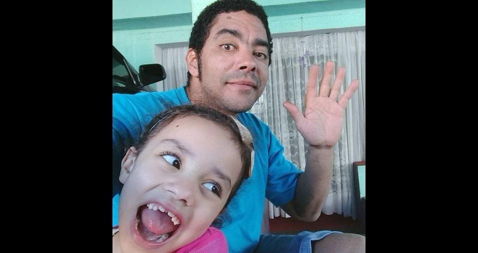 Hugo Humberto Ferreira com a filha Stephany Maria, de Osasco (SP)