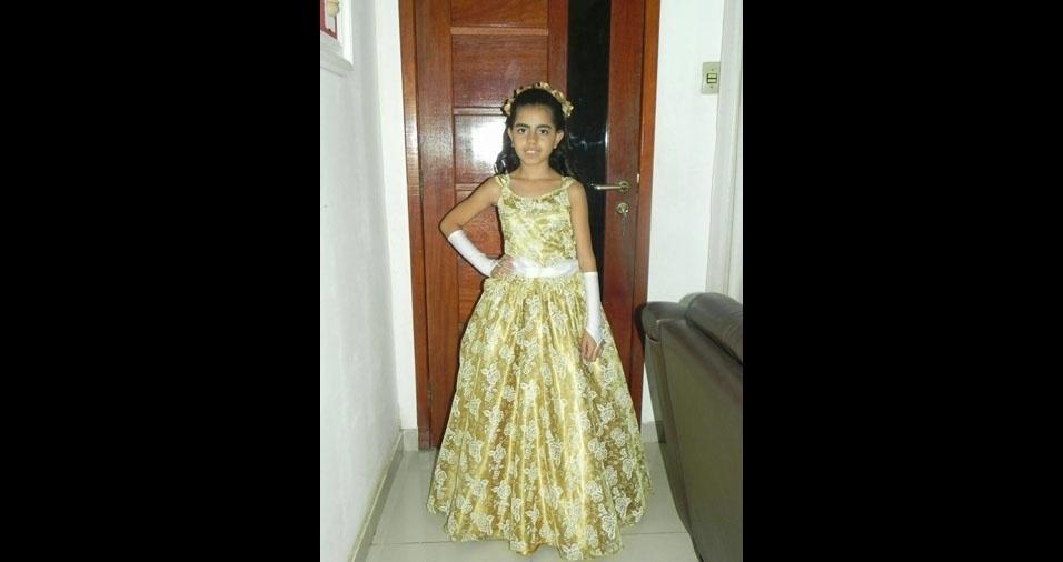 Isabela, nove anos, em foto enviada pela mamãe Juliana Aguiar, de Barra Mansa (RJ)