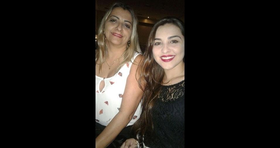 """Isabela Tosta com a mamãe Cleide, de Goiânia (GO): """"Amo minha mãe"""""""