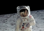 Bolsa lunar vai a leilão 48 anos após Neil Armstrong pisar na Lua (Foto: Neil Armstrong/Nasa)