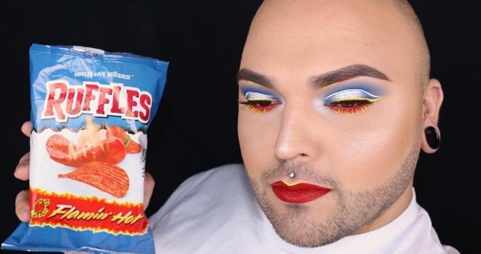 4. Apesar de confessar abertamente amar várias das guloseimas exibidas, parece que Tim O. tem testado novos quitutes apenas pelas embalagens inspiradoras para suas maquiagens