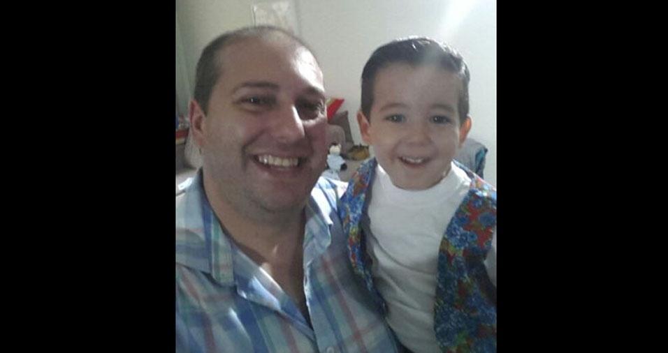 Papai Jefferson Fernando e o pequeno João Vitor, de Blumenau (SC)