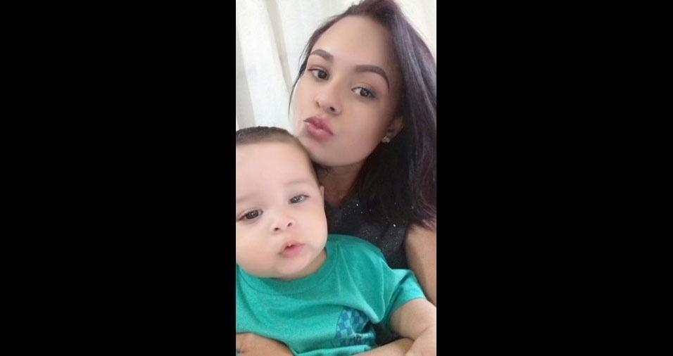 Talita Mariana da Silva, de Caraguatatuba (SP), vai comemorar o primeiro dia das mães com seu príncipe Caio