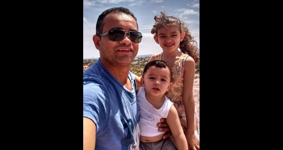 Alisson Franco e seus filhos Alicia e Arthur, de Bom Jesus (PI)