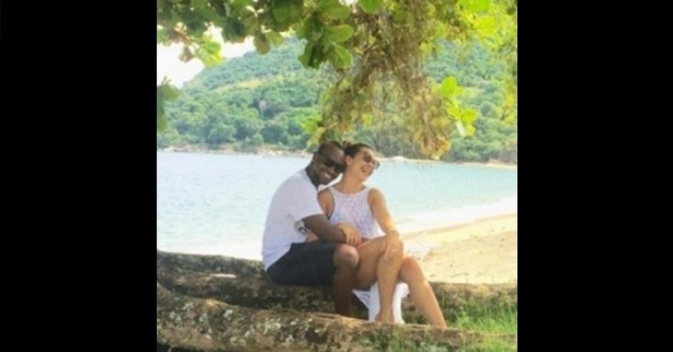 20.mar.2016- Cinco anos juntos. Fernanda Souza não quis deixar a data comemorativa com Thiaguinho em branco e usou o seu perfil no Instagram para se declarar ao marido neste domingo (20).