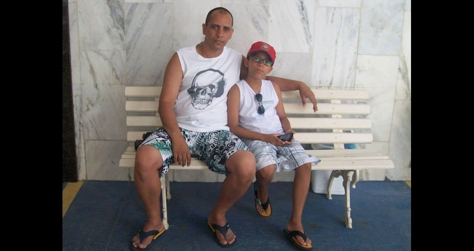 Adriano com o papai André Luís Almeida, de Duque de Caxias (RJ)
