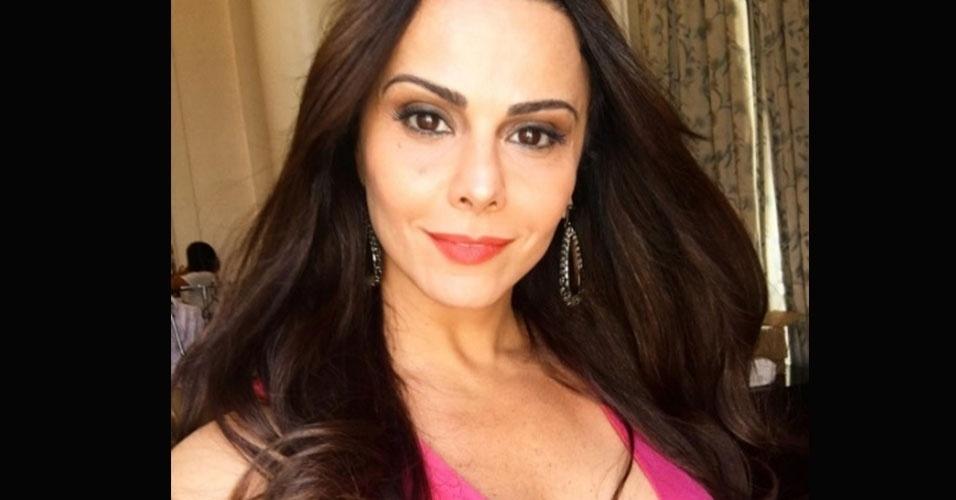 21.dez.2016 - Viviane Araújo posta foto durante a gravação da novela