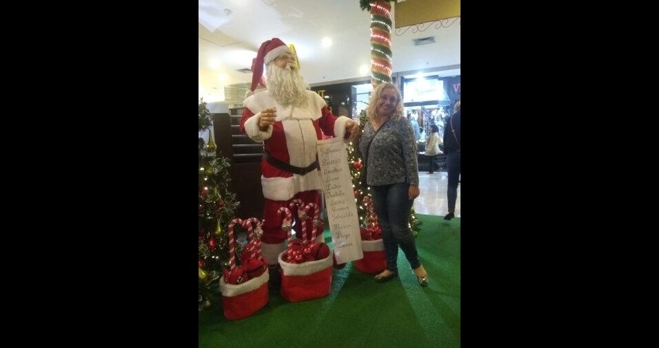 Viviane Araújo Friedmann, de Campo Limpo Paulista (SP), deseja feliz Natal a todos!