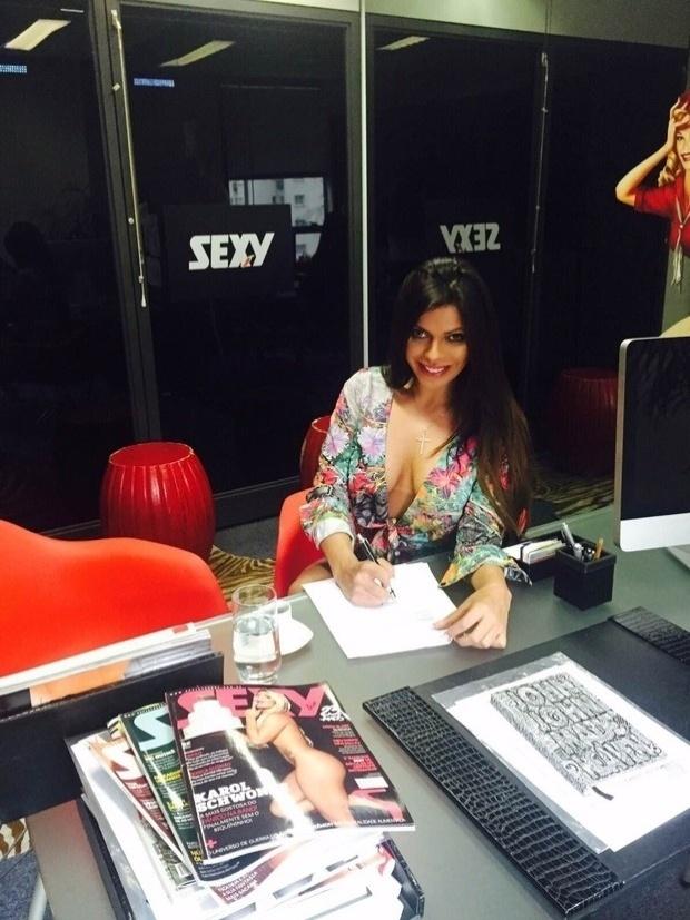 11.nov.2015 - A Miss Bumbum 2015, Suzy Cortez, vai estampar a capa de dezembro da revista Sexy. A modelo assinou contrato na tarde desta quarta-feira (11) com a publicação