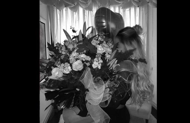 11.mar.2017 - Irmã de Neymar, Rafaella Santos completou 21 anos neste sábado. Desta vez, a morena aproveitou o aniversário em Barcelona, cidade onde vive o craque, ao lado de familiares e alguns amigos. Algumas fotos publicadas nas redes sociais de Rafaella e Neymar mostraram um pouquinho da celebração