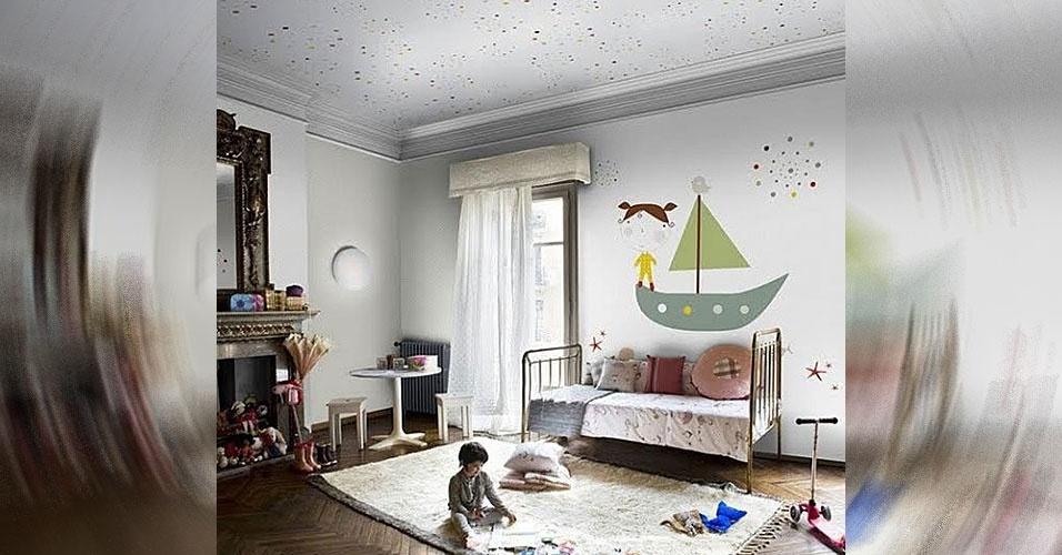 24. Pinturas nas paredes e no teto