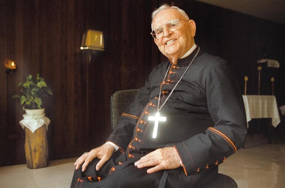 14.dez.2016 - Morreu em São Paulo nesta quarta-feira (14), aos 95 anos o cardeal d. Paulo Evaristo Arns, arcebispo emérito de São Paulo. Ele estava internado na Unidade de Terapia Intensiva (UTI) do Hospital Santa Catarina desde 28 de novembro com um quadro de broncopneumonia e nos últimos dias apresentou piora do sistema renal