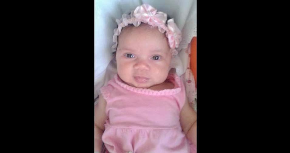 Juliana, de três meses, enviada pela mãe Maria Izabel, de Juiz de Fora (MG)