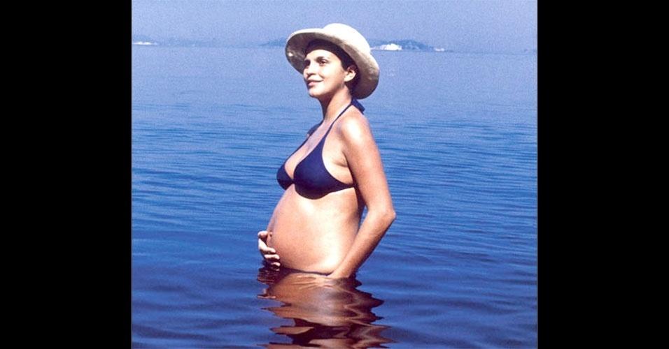 Em 1970, a atriz brasileira Leila Diniz causou polêmica ao posar grávida com um biquíni. No entanto, as praias cariocas já vislumbravam os populares biquínis, que no Brasil ficaram cada vez menores com o passar dos anos