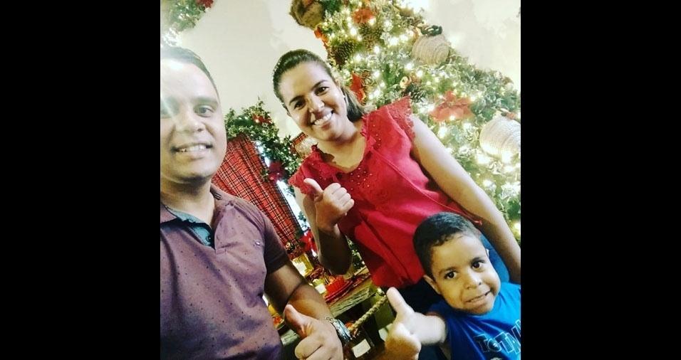 Paulo Pinheiro com a família, de Luís Eduardo Magalhães (BA)