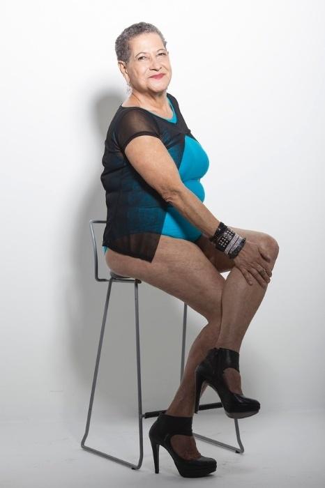 23.mai.2016 - Geralda posa de maiô em ensaio para o Miss Bumbum Melhor Idade