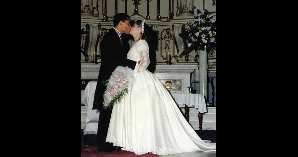 Justina Vaz dos Reis Mattos e Ricardo Ângelo Mattos se casaram em 20 de abril de 1996, na Catedral São Francisco de Assis, em Taubaté (SP)