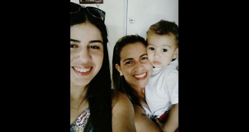 Rosangela Barbosa, de São Paulo (SP), com os filhos  Kalyne e Murilo