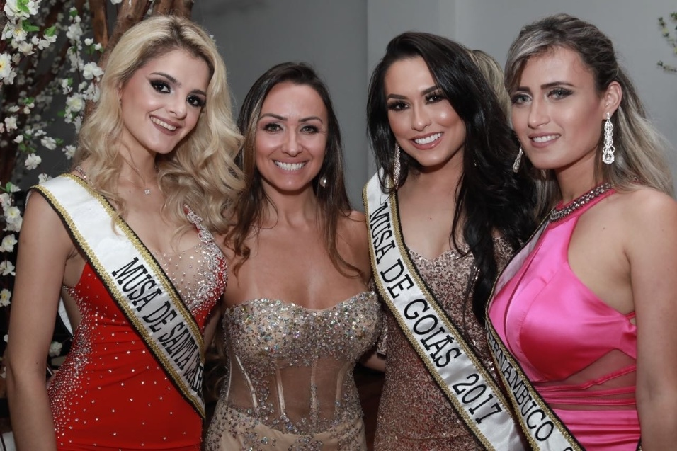 5.nov.2017 - O concurso Musa do Brasil 2017 escolhe a mulher mais bela do país em um evento em São Paulo. Na imagem, candidatas posam ansiosas para saber quem vencerá o concurso