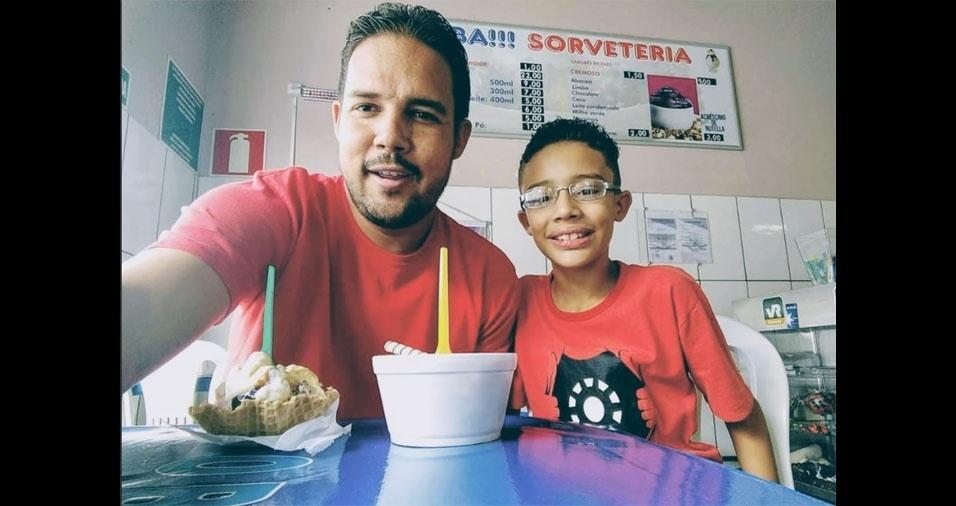 Pablo, de Belo Horizonte (MG), com o filho Alexandre