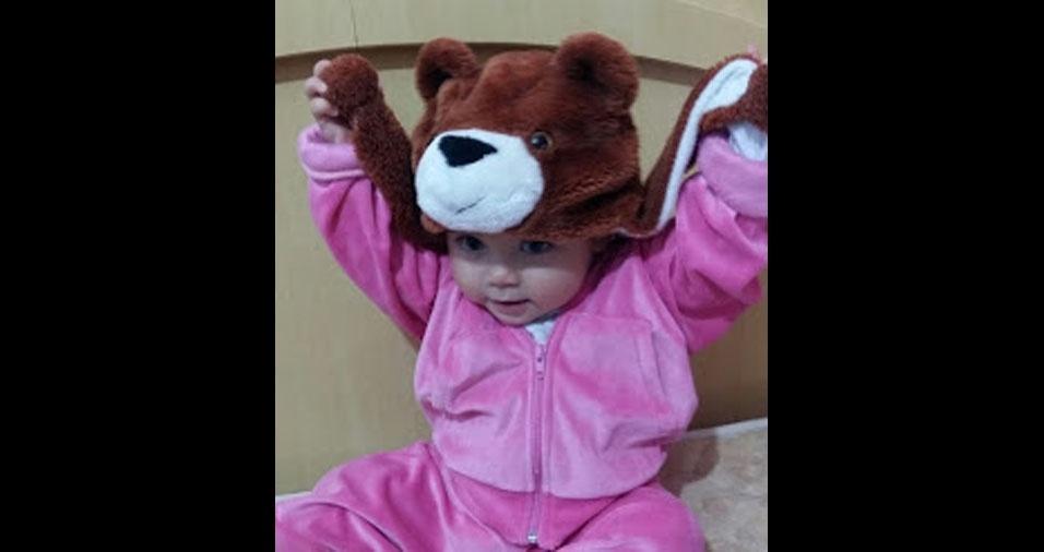 A mamãe Cristina, de Itanhaém (SP), enviou foto da filha Eduarda Vitória, de 1 ano e três meses