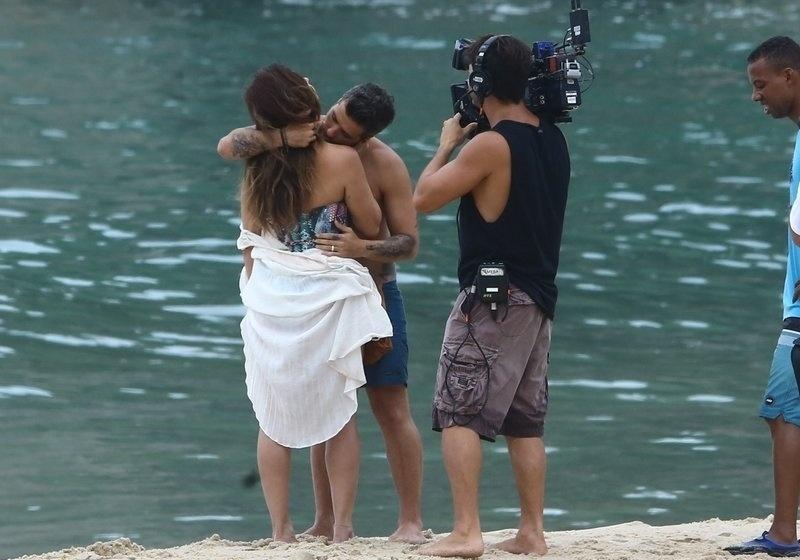"""6.mar.2017 - Bruno Gagliasso e Giovanna Antonelli interpretam os personagens Mário e Alice em """"Sol Nascente"""""""