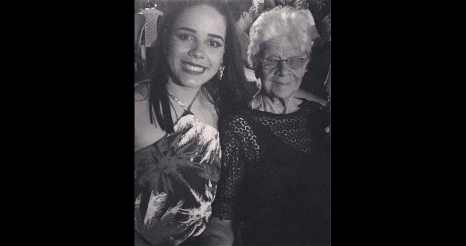 """Isabela Rodrigues, de Porto Seguro (BA), com a avó Paulina Rodrigues, de Eunápolis (BA): """"Amo demais!"""""""