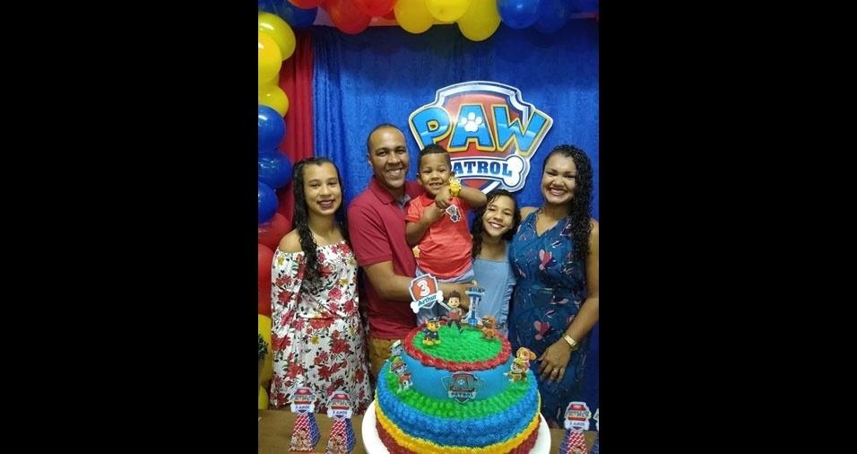 Arthur, Samarah e Kamilly são os filhos de Agrinelson dos Santos Gonçalves e de  Polyana Lemos Gonçalves, de Serra (ES)