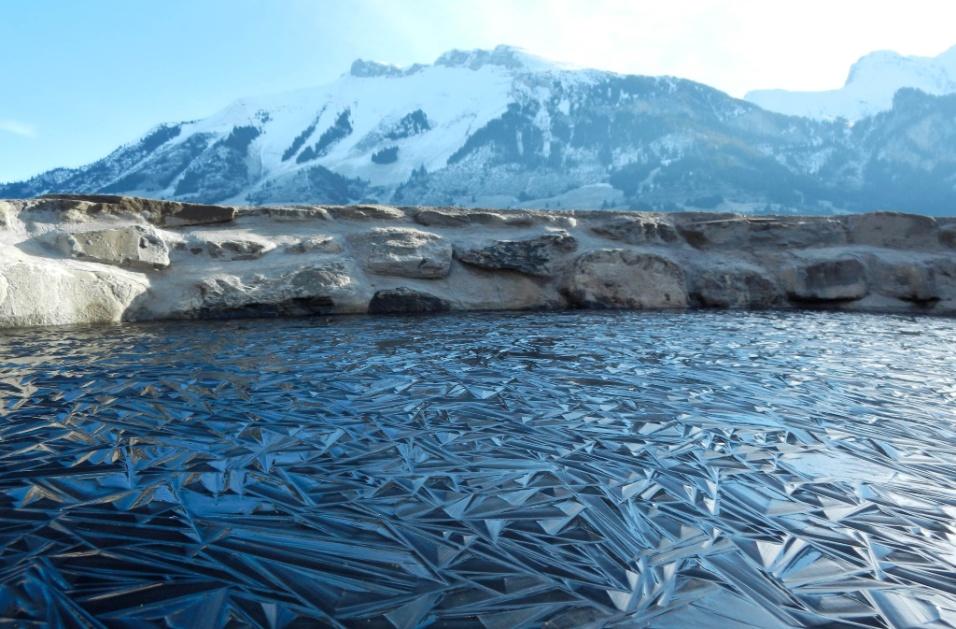 Lago congelado na Suíça
