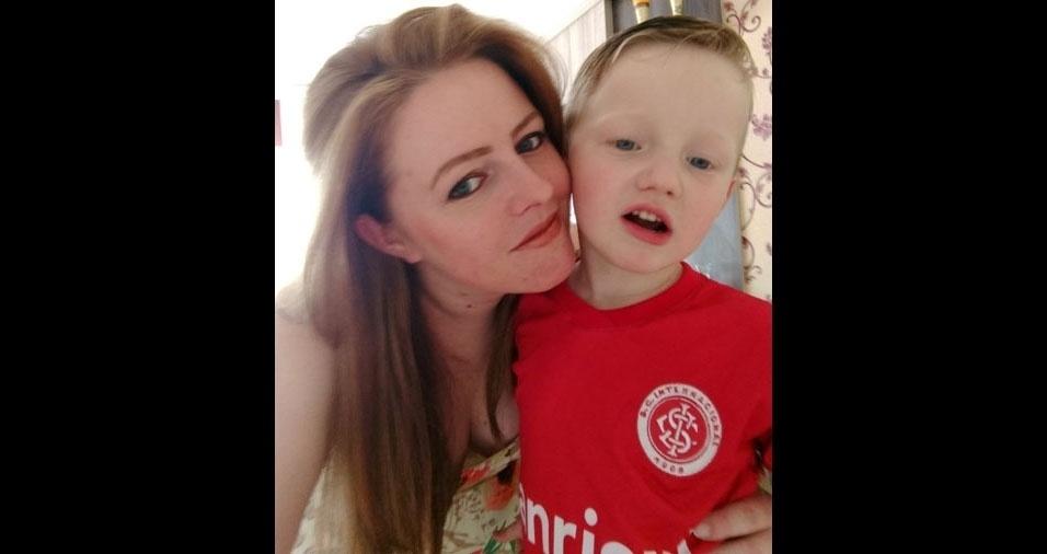 Mamãe Camila Hammerschmidt com o filho Ramon Hammerschmidt de Marco