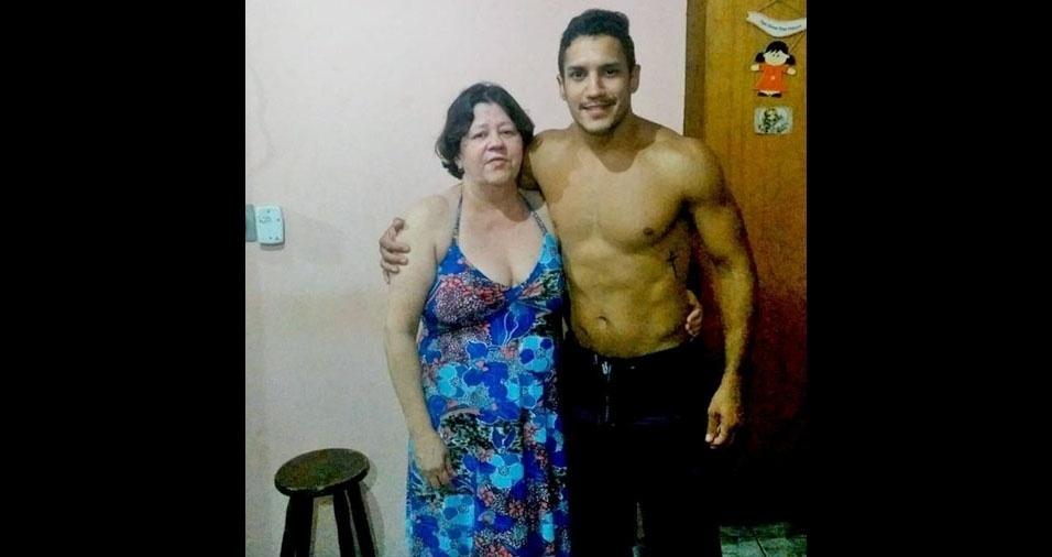Erik Guimarães de Oliveira com a mamãe Ana Helena Guimarães Oliveira, de São Sebastião (SP)