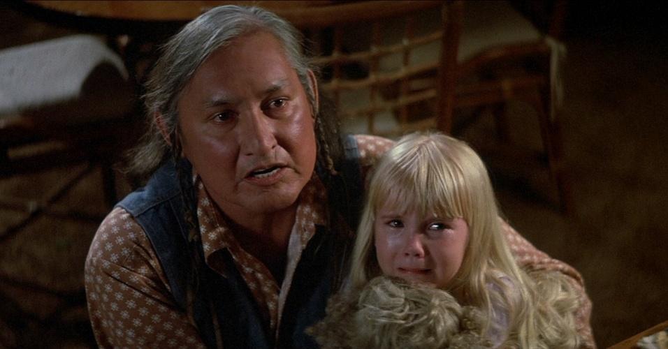 Will Sampson, que interpretou um índio nativo que era o responsável por ajudar a família no 2° filme, morreu cerca de 1 ano depois das gravações. O motivo? Complicações em um transplante de coração