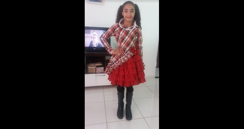 Patricia da Silva Gonçalves, de Jandaia do Sul (PR), é a mãe da caipirinha Rafaela Cristina, de 11 anos